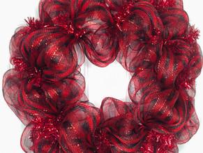 How to Make a Simple Deco Mesh Wreath - Loop Method