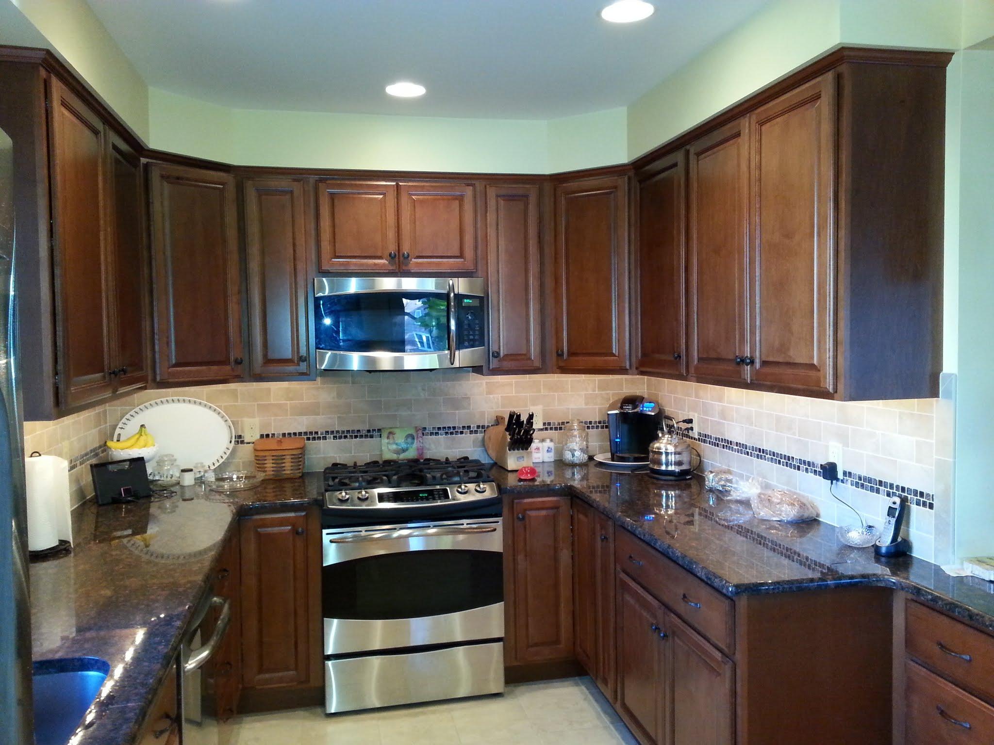 Picasa - Kitchen renovation using KraftMaid cabinets and granite countertops.jpg
