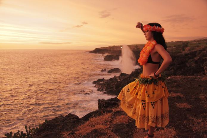 Polynesian dances from Hawaii and Tahiti