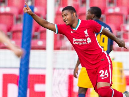 Brewster brilha no 2º tempo e Liverpool empata com RB Salzburg