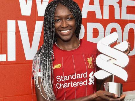 Rinsola Babajide é eleita jogadora da temporada da Liverpool Women
