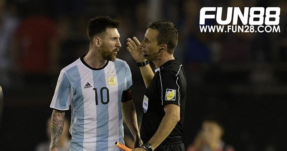Lionel Messi mendapatkan sanksi bermain
