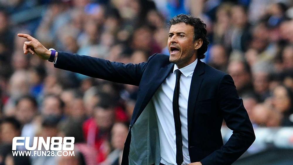 Luis Enrique meninggalkan Barcelona