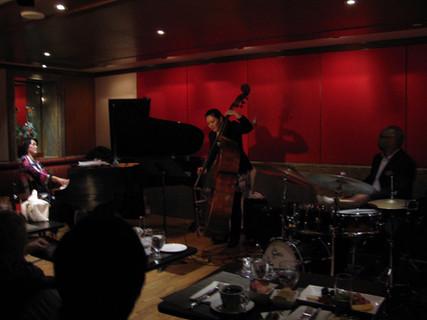 Ayako Shirasaki Trio at Kitano