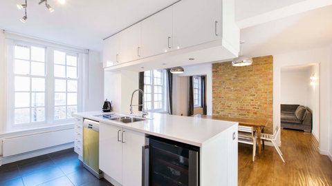 Montcalm - kitchen2.jpg