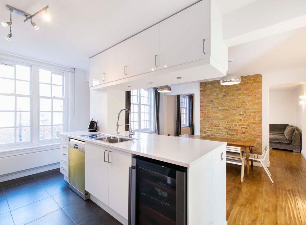 Montcalm - kitchen2.jpg