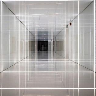 A lobby, a tunnel, a square, a Trap!!!_N