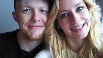 A picture of Kathleen and Kyle Lowe smiling.
