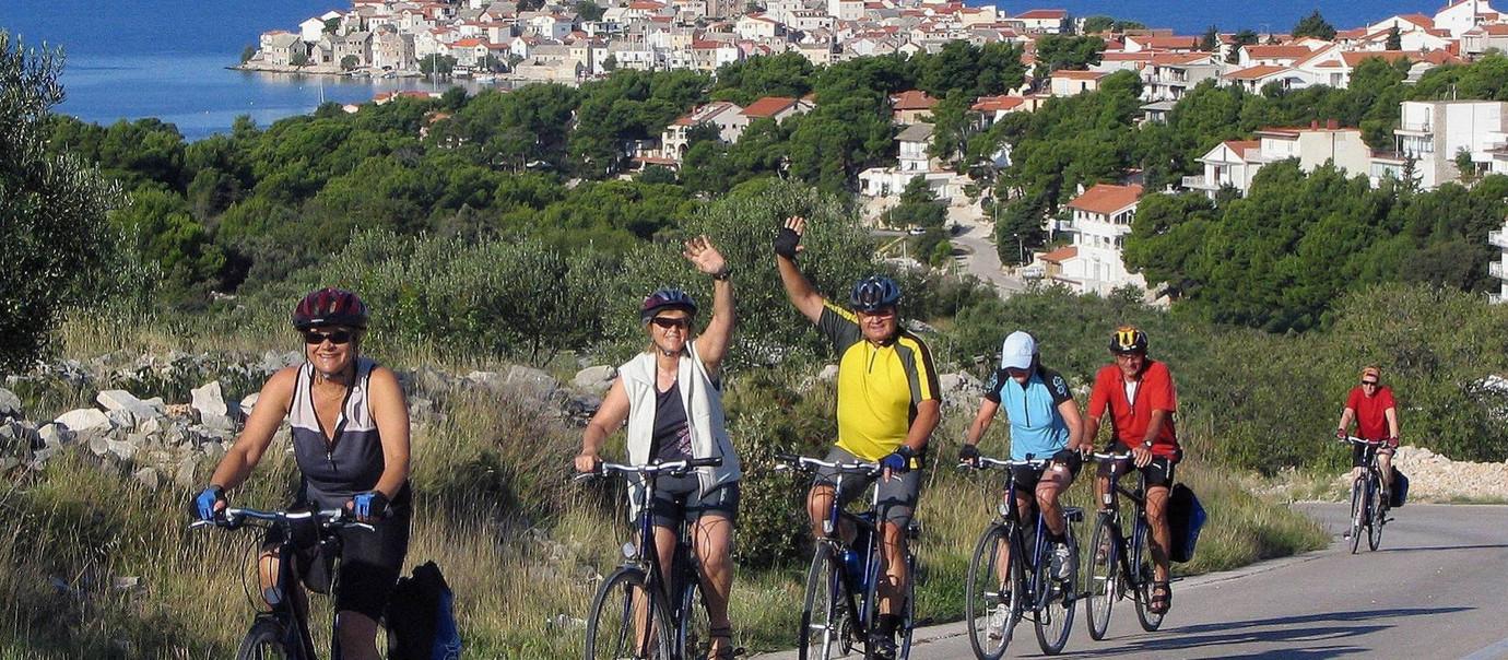 Cycling-in-Croatia-319293-1920px-16x7.jp