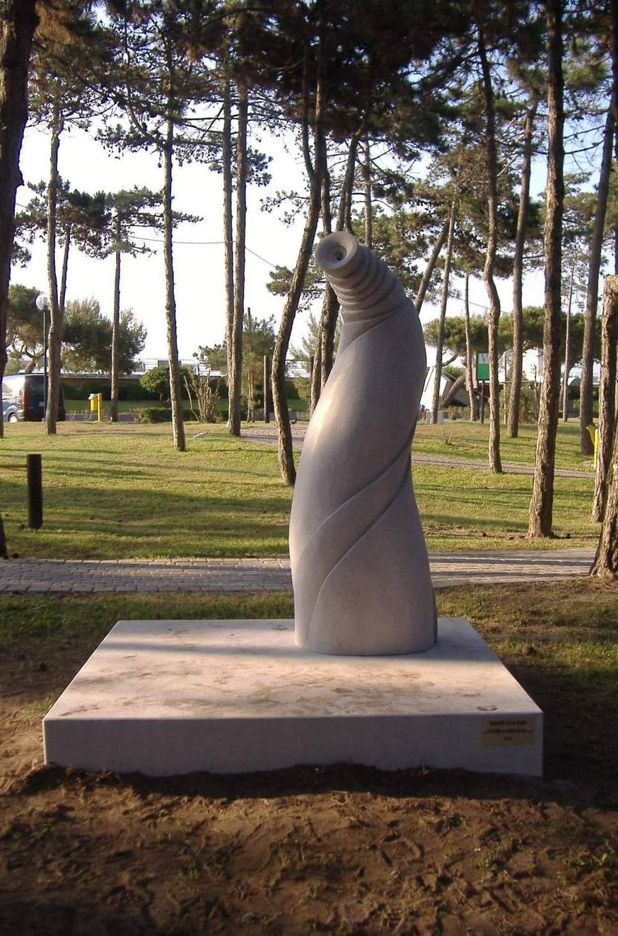 2010 SHELL FOR LISTENING AT THE EARTH, limestone, Park of the Sea, Lign