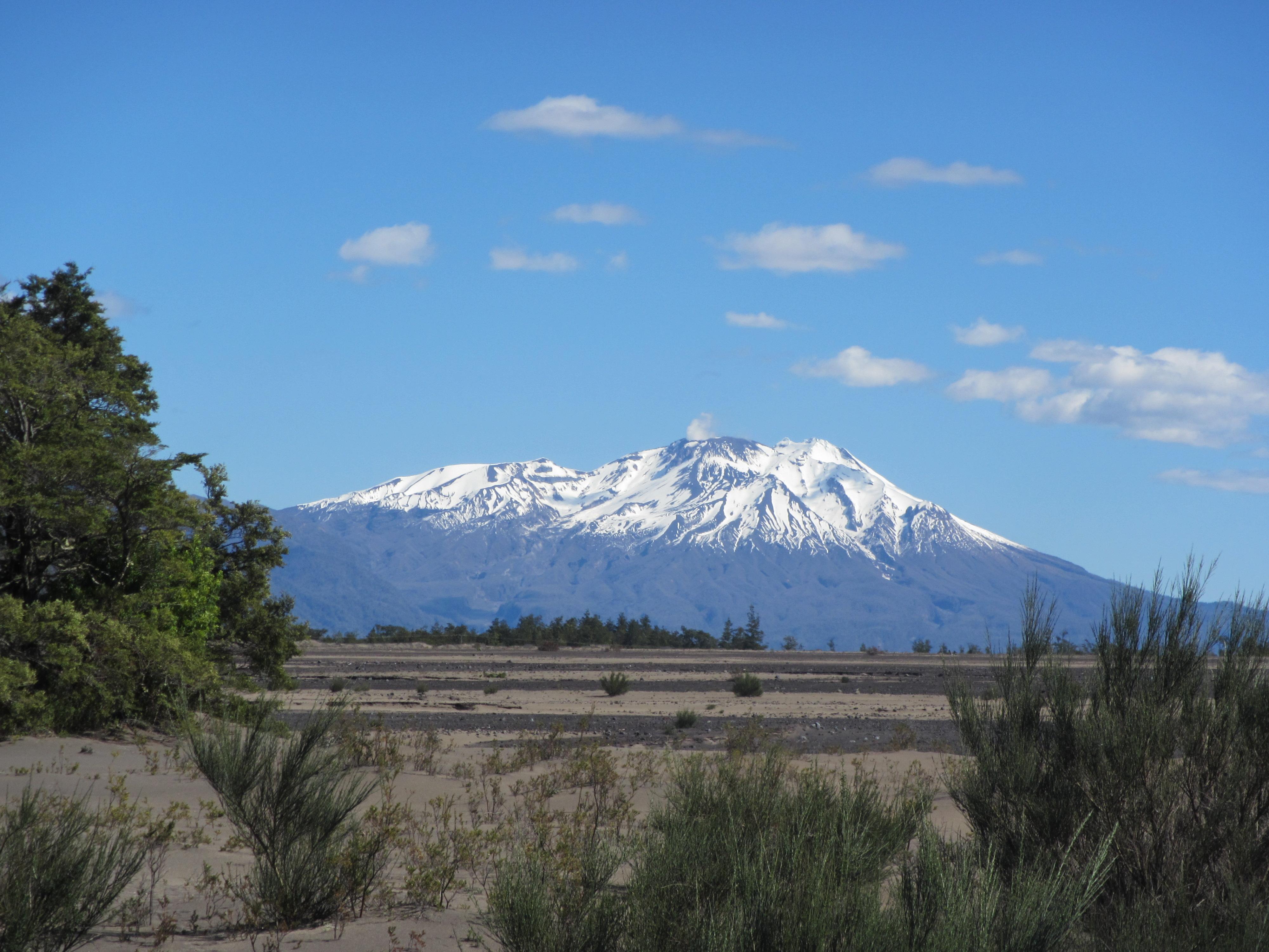 Trek Paso Desolacion Volcan Calbuco