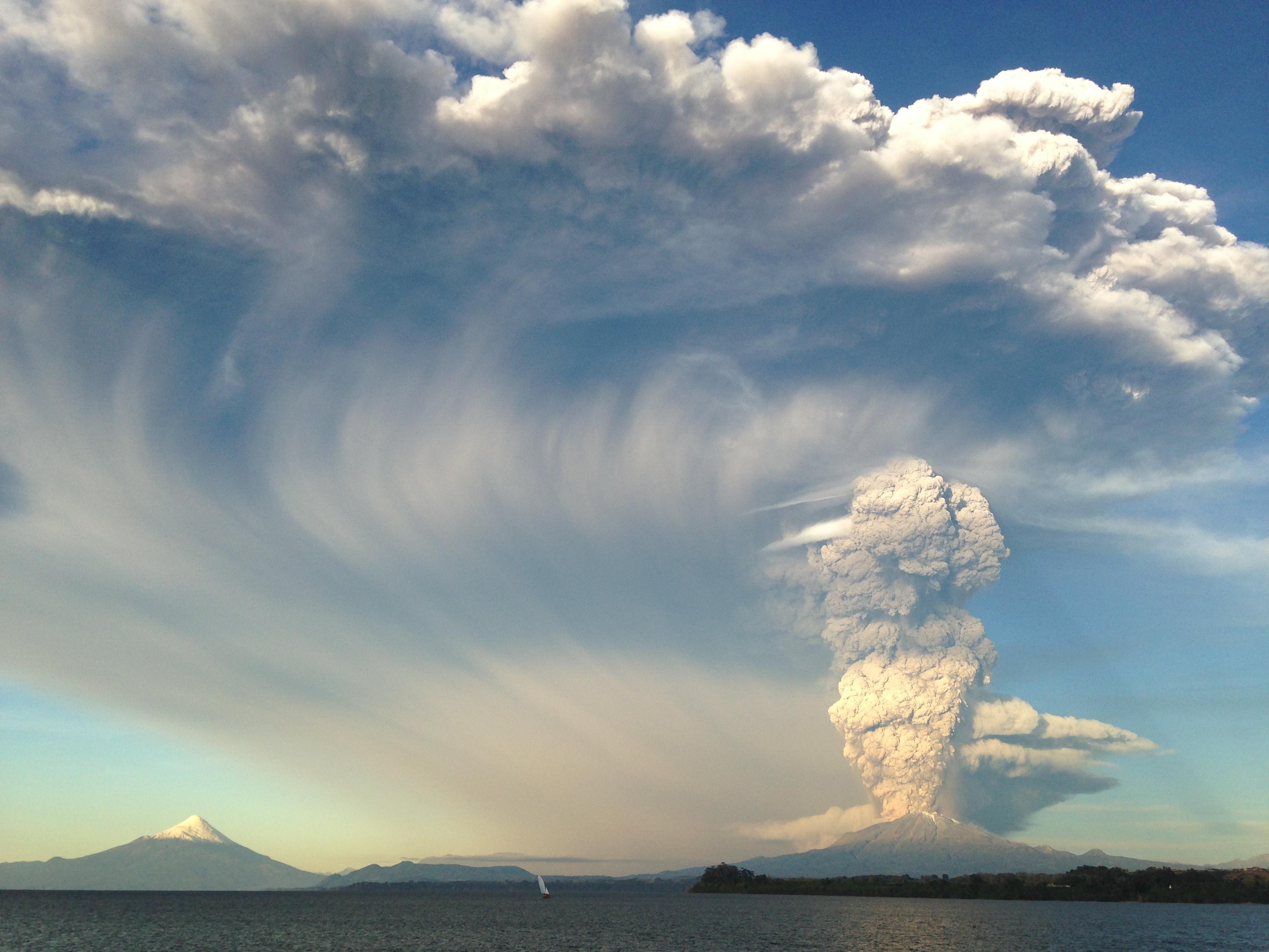 Erupcion Volcan Calbuco 2015