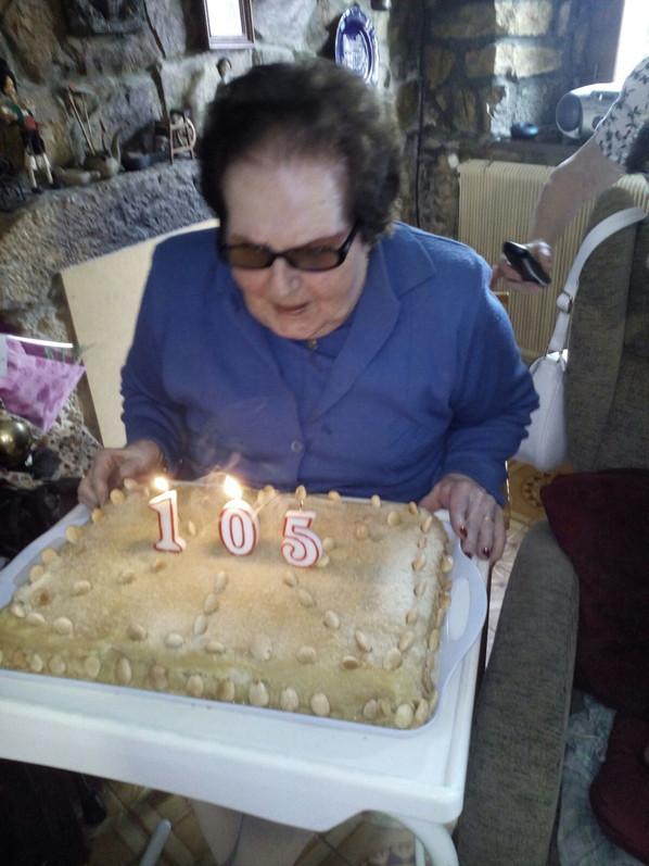 Ángeles ha cumplido 105 años. ¡Felicidades!