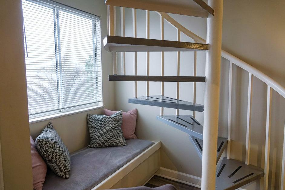 Spiral stairs and nook in Gatlinburg condo