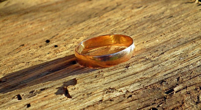 wedding-ring-4549875_1280.jpg