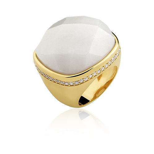 Mother of Pearl in Gold Ring 2