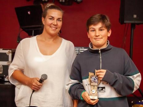 Michelle Lewis (7/8 Boys Coach) with Coaches Award winner Kai Lindsay