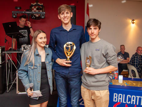 Emma Crabb, Coach of 11/12 Boys 'Red' with MVP Josh Damianopoulos and Coaches Award winner Gabriel Hamilton