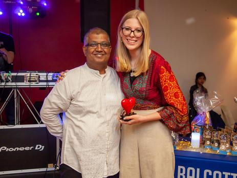 Suvas Lobo with Kiana Arnold with her 'Cats Courage' award.
