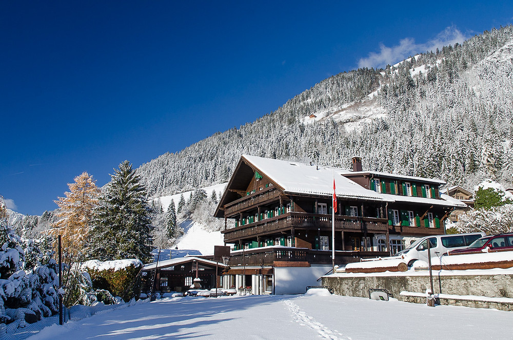 Le Vieux Chalet in the snow