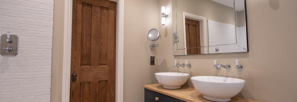 Main House - Master Bathroom 2.jpg
