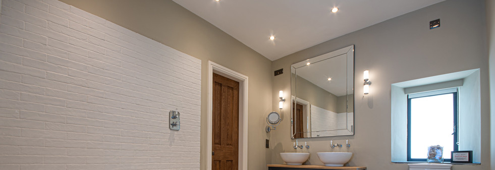 Main House - Master Bathroom 1.jpg