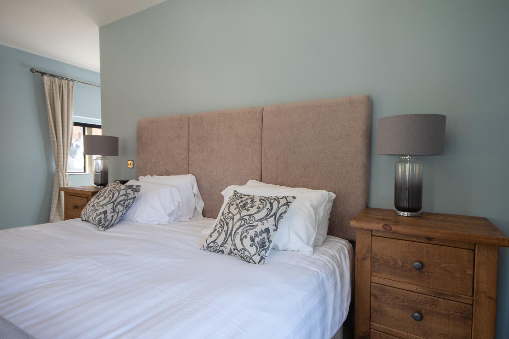 Main House - Bedroom 1 (4).jpg
