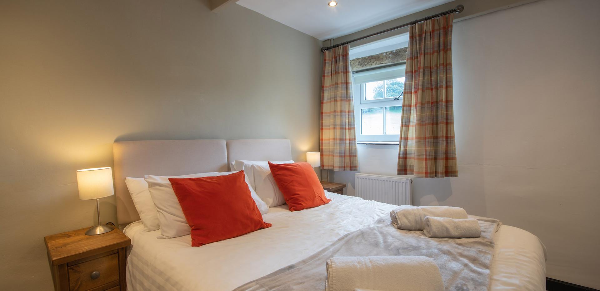 Lathkill Bedroom 1 (1).jpg