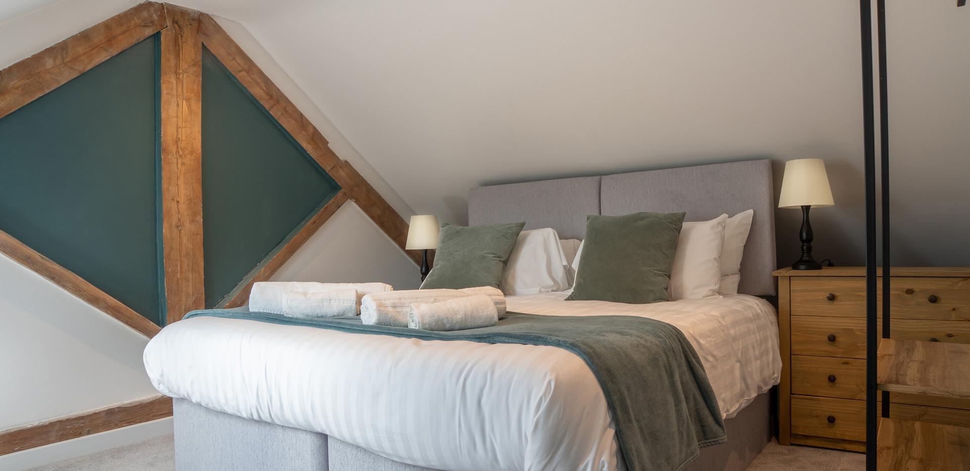 Dovedale bedroom.jpg