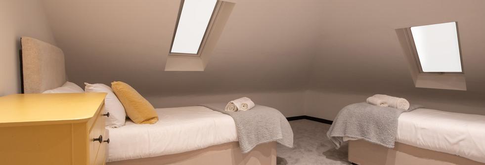 Henmore bedroom 2 (3).jpg