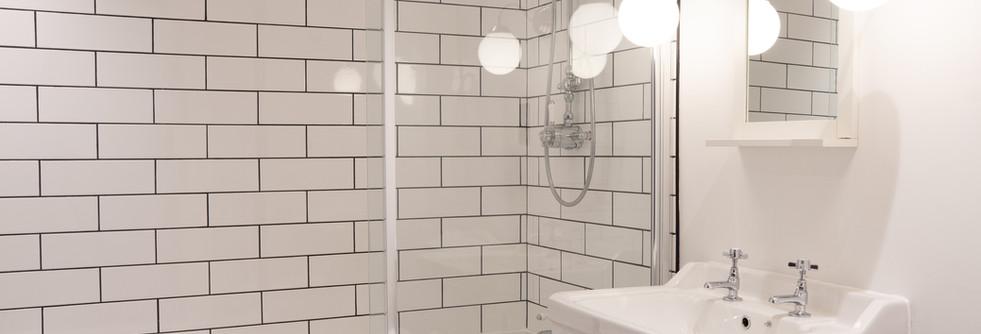 Summer - Bathroom.jpg