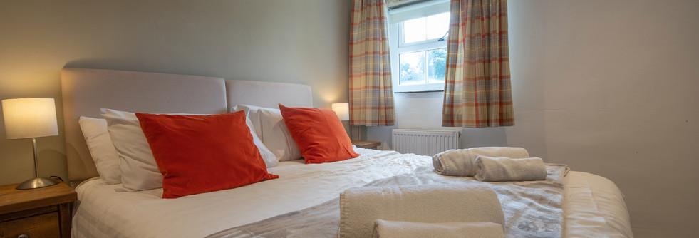 Lathkill Bedroom 1 (2).jpg