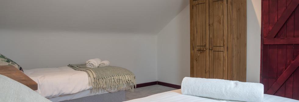 Summer - Bedroom 2 (2).jpg