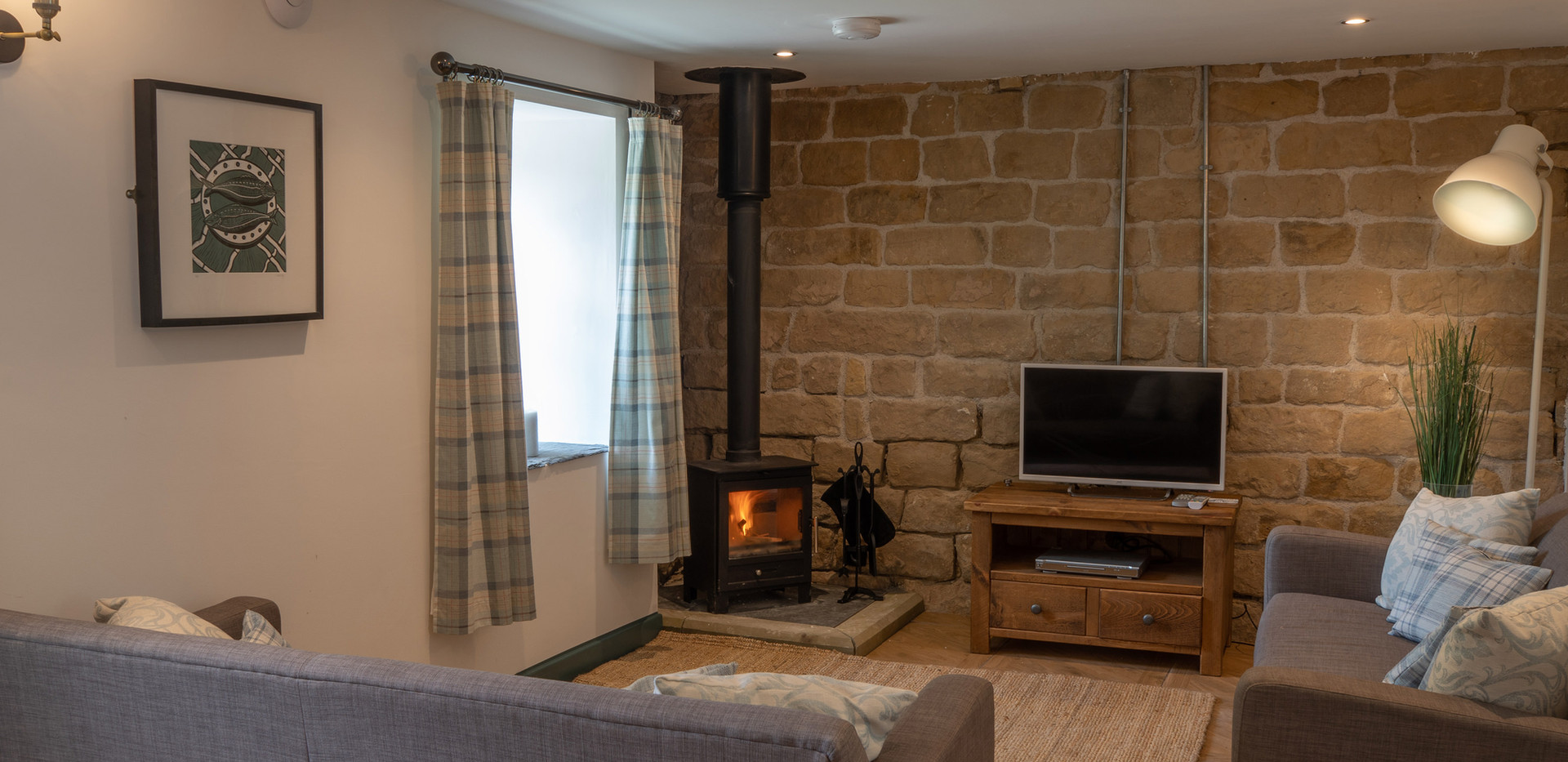 Dovedale Living Area (1).jpg