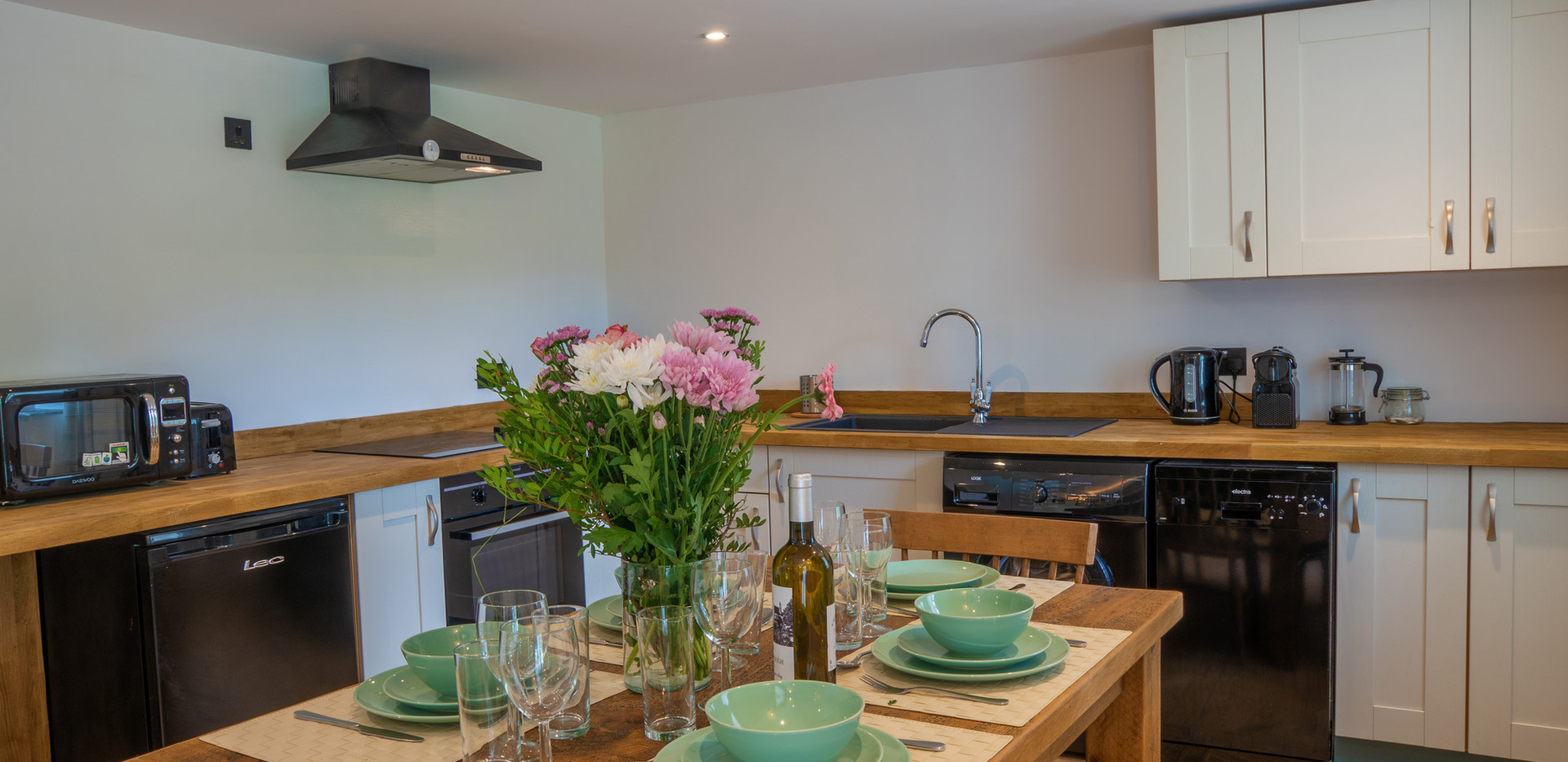 Dovedale Kitchen (2).jpg