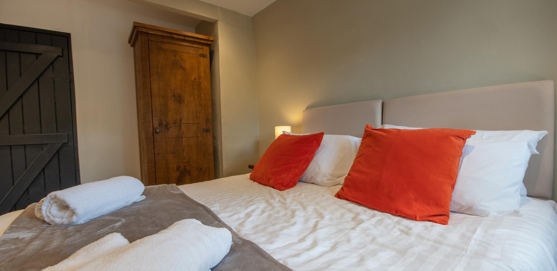 Lathkill Bedroom 1 (3).jpg