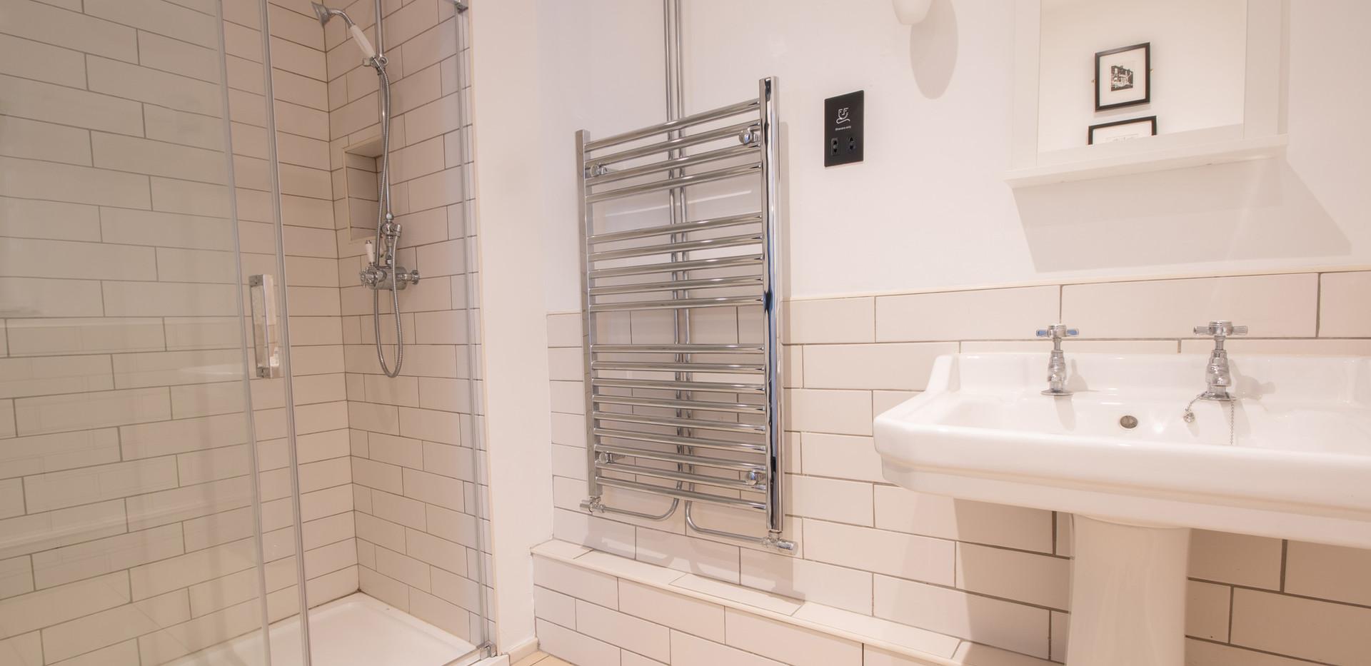 Lathkill Bathroom.jpg