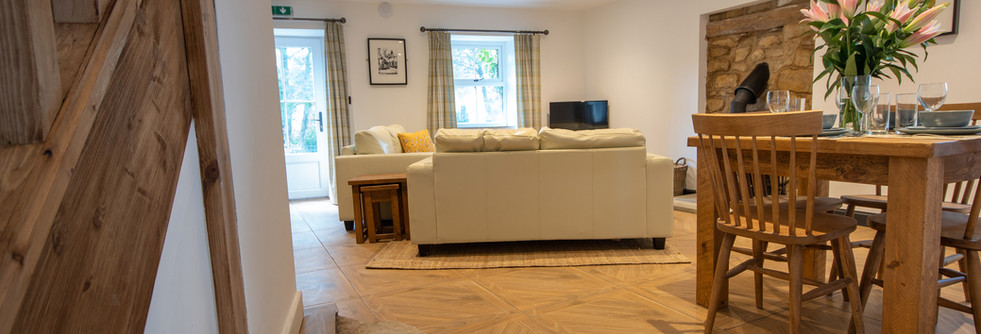 Henmore Living Room (1).jpg