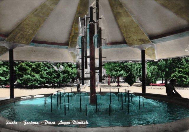 Imola, Acque Minerali. Fontana circolare. Cartolina Anni '60