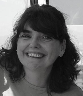 Carolina - Graphic Designer