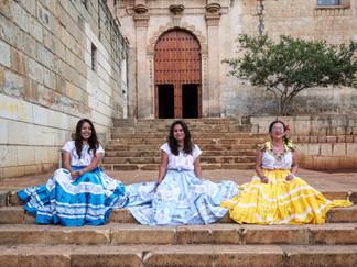 Las_Tres_Niñas,_Mexico_copy.jpg