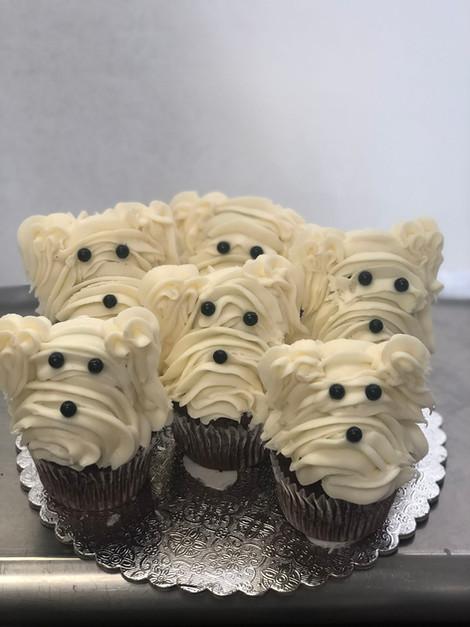 dog frosting cupcake.jpeg
