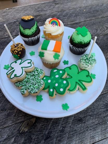 St Patricks Day Cupcakes and Cookies.jpg