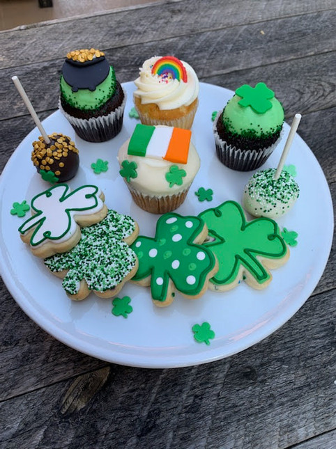 St Patricks Day Cupcakes and Cookies.jpg