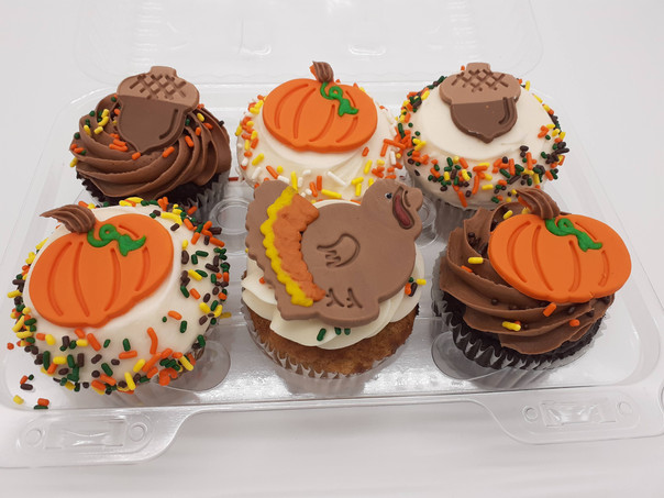 Thanksgiving Cupcakes.jpg