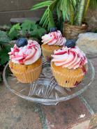 Berrys 'n' Cream Cupcakes.jpg