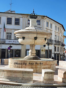 Fonte da Praça do Giraldo em Évora