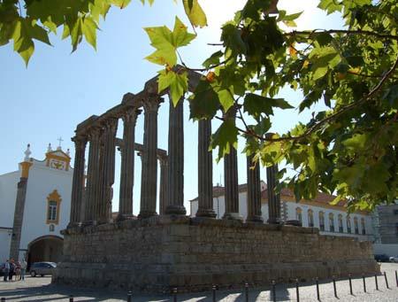 Visitar Évora - Reserve Alojamentos e Restaurantes