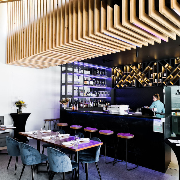 David Tomic Loft 22 bar