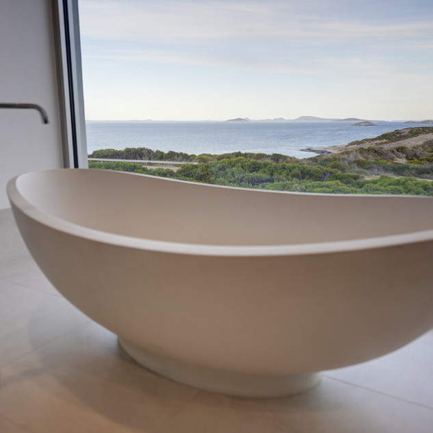 Concept Building Design_Esperance Luxury residence_bathtub